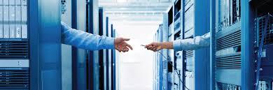 Lựa-chọn-thiết-bị-quản-lý-mạng-doanh-nghiệp-hay-HUB.